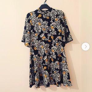 Like new Zara floral printed mini dress